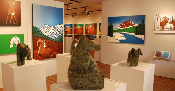 Link to Carter-Ryan Gallery hiring Gallery Manager